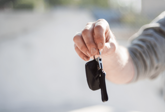 handing-over-car-keys